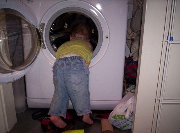 Παιδάκι έχασε τη ζωή του, παίζοντας κρυφτό στο πλυντήριο
