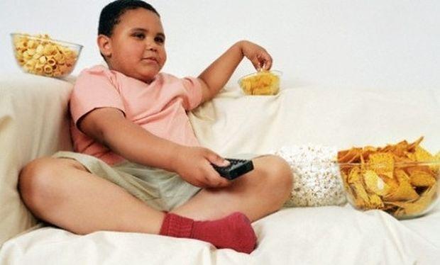 Η κατανάλωση πρόχειρων φαγητών προκαλεί άσθμα και αλλεργίες!