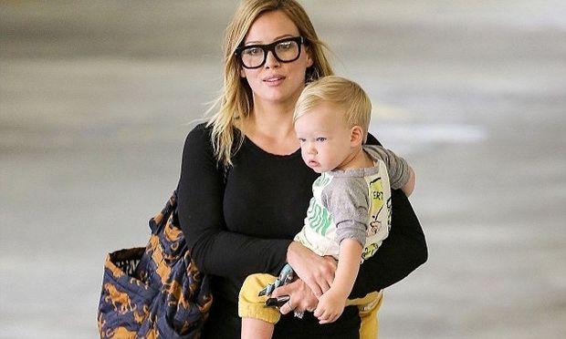 «Προτιμώ να είμαι ευτυχισμένη παρά σκελετωμένη» δηλώνει η Hilary Duff!