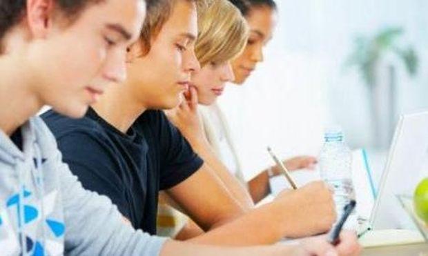 Καούρες και ναυτία: Συμπτώματα που εμφανίζουν οι μαθητές κατά τη διάρκεια των εξετάσεων! Αντιμετωπίστε τα!