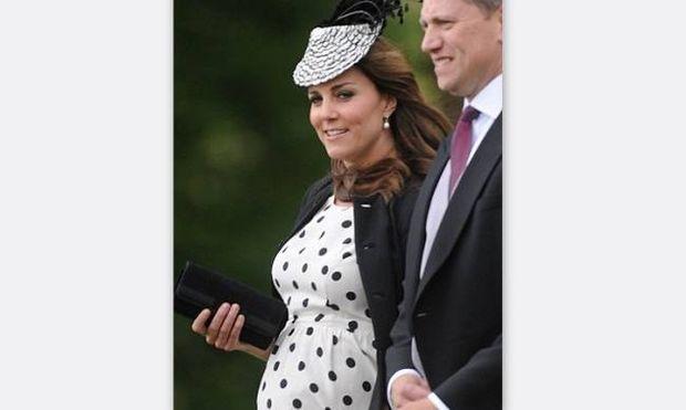 Κέιτ Μίντλετον: Ντροπή για την Δούκισσα…. Φύσηξε αεράκι, σηκώθηκε η φούστα και…