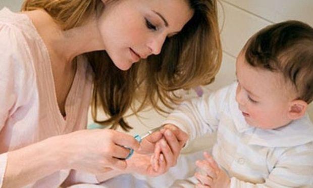 Ουπς! Βοήθεια… πώς θα φροντίσω τα νυχάκια του παιδιού μου;