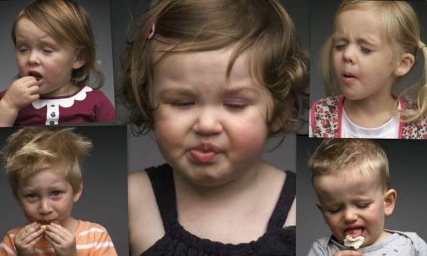 Οι πιο γλυκές και απίθανες γκριμάτσες μωρών όταν δοκιμάζουν για πρώτη φορά περίεργες γεύσεις! (βίντεο)