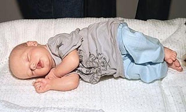 Πιτ-Τζολί: Η κόρη τους είναι το πρώτο μωρό που έγινε κέρινο ομοίωμα στο Μουσείο της Μαντάμ Τισό!