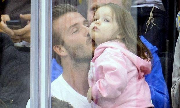 Ντέιβιντ Μπέκαμ: Ένας από τους ωραιότερους άντρες του πλανήτη, έχει μάτια μόνο για την κόρη του!