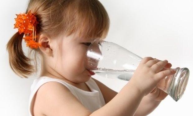 Γιατί το νερό είναι πολύτιμο για τα παιδιά;