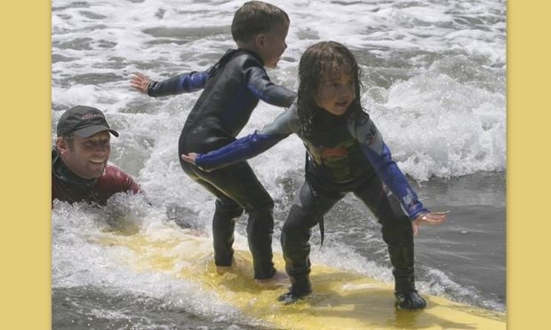 Σέρφινγκ για παιδιά: Η απόλυτη διασκέδαση! Τι πρέπει να γνωρίζετε
