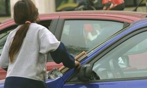 Συνήγορος του Πολίτη: Πάνω από 100.000 Ελληνόπουλα εργάζονται!