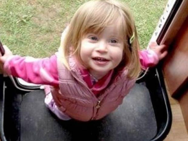 Τραγωδία: Κοριτσάκι πνίγηκε σε πισίνα ενώ η μητέρα του έκανε ηλιοθεραπεία