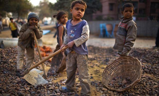 Παγκόσμια Ημέρα κατά της Παιδικής εργασίας: 10,5 εκατομμύρια παιδιά σε όλο τον κόσμο αναγκάζονται να δουλεύουν!