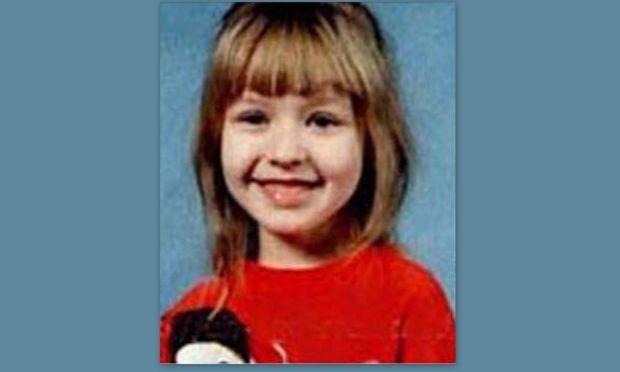 Αναγνωρίζετε το κοριτσάκι; Σήμερα είναι διάσημη τραγουδίστρια!