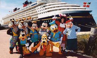 To κρουαζιερόπλοιο του Μίκι Μάους καταφτάνει σήμερα στο λιμάνι του Πειραιά!