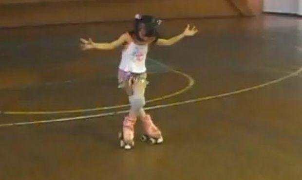 Μικρή αλλά μεγάλο ταλέντο στο roll skating (βίντεο)