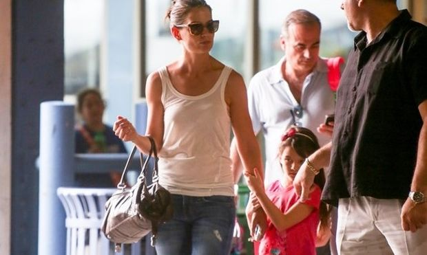 Όταν η Κέιτι Χολμς πηγαίνει την κόρη της στο γυμναστήριο! (εικόνες)