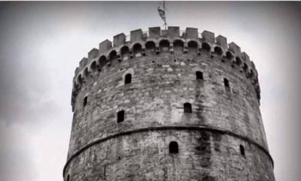 Βίντεο: Μια 13χρονη διαφημίζει τη Θεσσαλονίκη