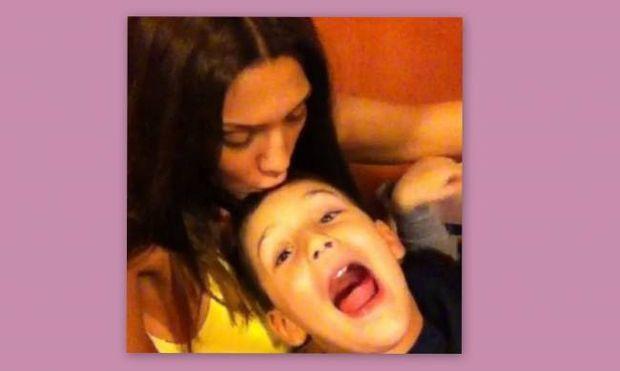 Η Ηλιάδη τραγουδά με τον γιο της… Σάκη Ρουβά!