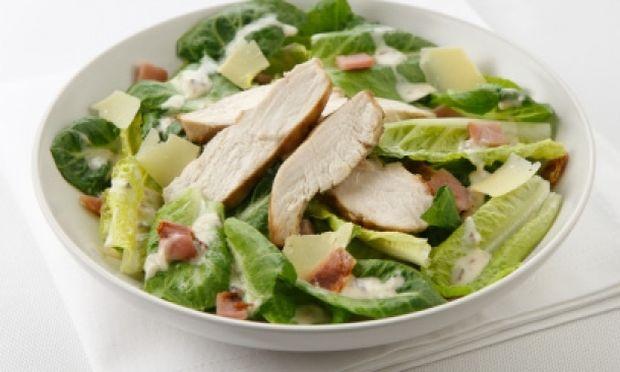 Συνταγή για ελαφριά σαλάτα με κοτόπουλο!