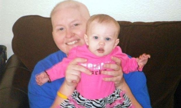 Μητέρα «πέρασε» τον καρκίνο που είχε στο αγέννητο μωρό της μέσω πλακούντα
