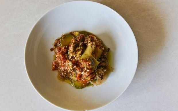 Συνταγή από τον Γιώργο Γεράρδο για μπριάμ φούρνου με καλοκαιρινά λαχανικά και φέτα!