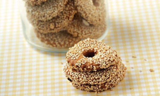 Συνταγή για λαχταριστά μπισκότα με σουσάμι!