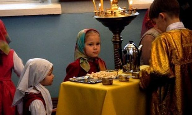 Πολιτική πληθυσμού στη Ρωσία: Κάντε παιδιά και κερδίστε ένα… ψυγείο!