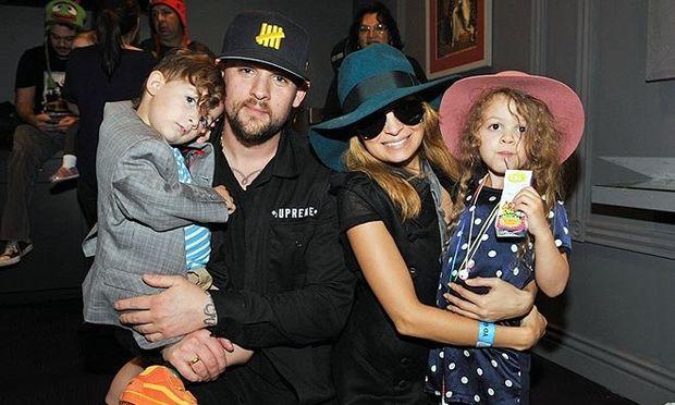 Το οικογενειακό άλμπουμ της Νικόλ Ρίτσι με τα παιδιά της! (50+ φωτογραφίες)