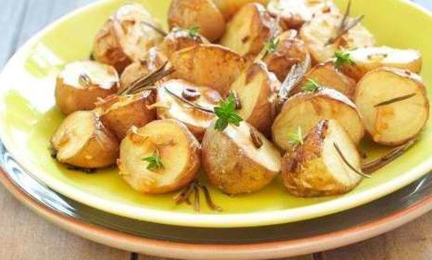 Συνταγή για νόστιμες πατατούλες στο φούρνο!