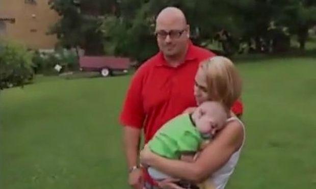 Συγκλονιστικό: Ζευγάρι παντρεύεται με κουμπάρο τον ετοιμοθάνατο γιο του! (βίντεο)