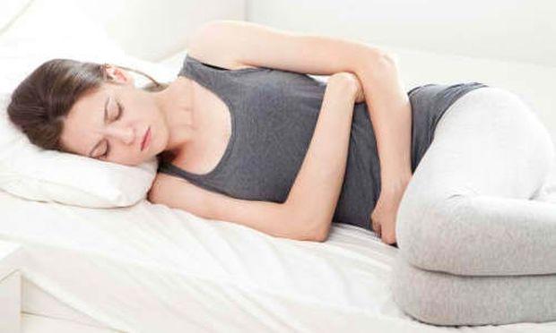 Αντιμετωπίστε τους κοιλιακούς πόνους μετά τον τοκετό!