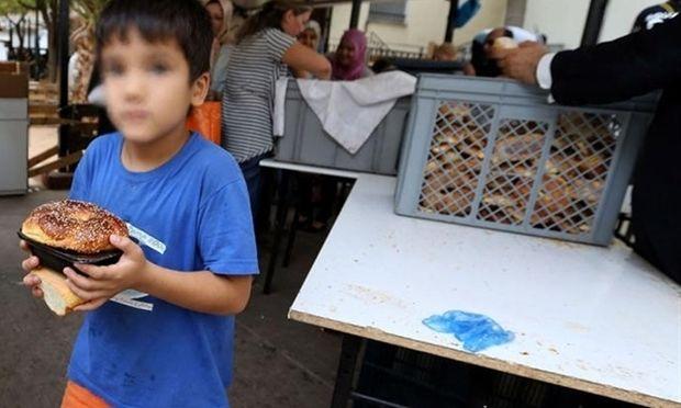 Guardian: 600.000 παιδιά ζουν κάτω από το όριο της φτώχειας στην Ελλάδα