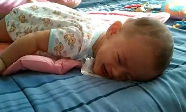 Κι όμως αυτό είναι το πιο αστείο κλάμα μωρού! (βίντεο)