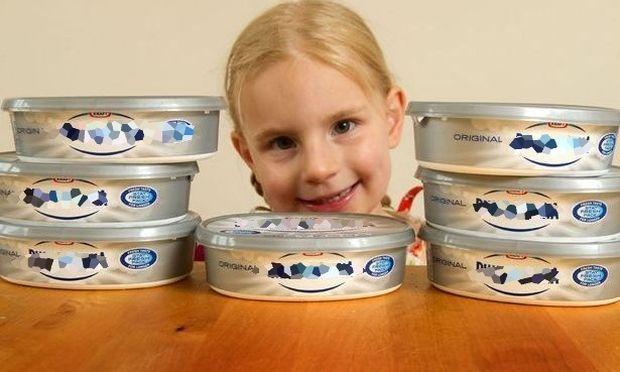 Κοριτσάκι με προβλήματα ομιλίας, άρχισε να μιλάει όταν έφαγε τυρί κρέμα!