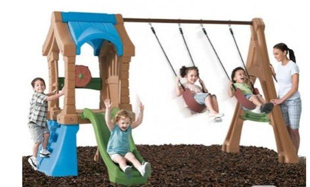 8+1 πράγματα που πρέπει να έχετε στον κήπο σας για να παίζει το μωρό σας!