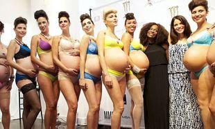 Μοντέλα έγκυες περπάτησαν στην πασαρέλα παρουσιάζοντας σέξι εσώρουχα εγκυμοσύνης! (φωτογραφίες)