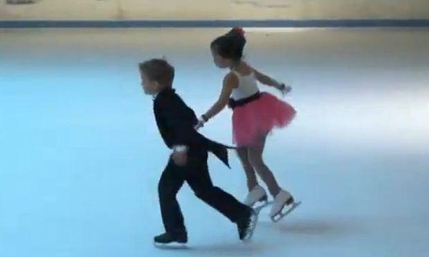 Τα απίθανα δίδυμα που χορεύουν μοναδικά πάνω στον πάγο! (βίντεο)