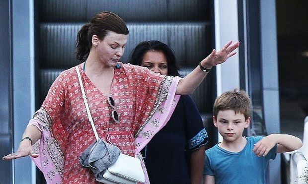 Λίντα Εβαντζελίστα: Μετά τον χωρισμό της, ο γιος της είναι ο άντρας της ζωής της (φωτογραφίες)