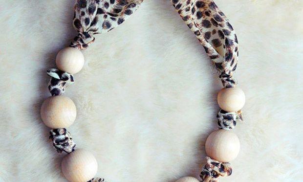 Φτιάξτε απίθανα κολιέ από χάντρες δεμένες σε μαντήλι!