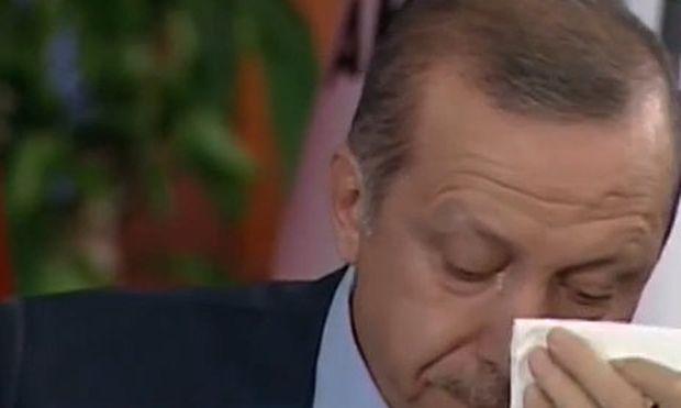 Απίστευτο: Ο Ερντογάν λύγισε διαβάζοντας το γράμμα ενός πατέρα για την 17χρονη κόρη που έχασε! (βίντεο)