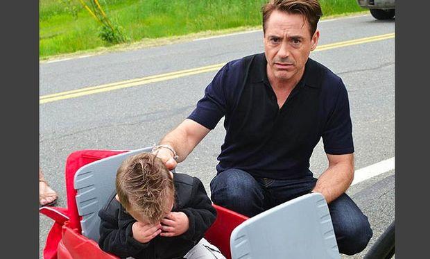 Ξέσπασε σε κλάματα γιατί ενώ περίμενε τον «Άιρον Μαν» εμφανίστηκε ο… ηθοποιός!