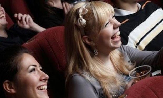Είδηση σοκ: γυναίκα υποστηρίζει πως έμεινε έγκυος από ταινία 3D