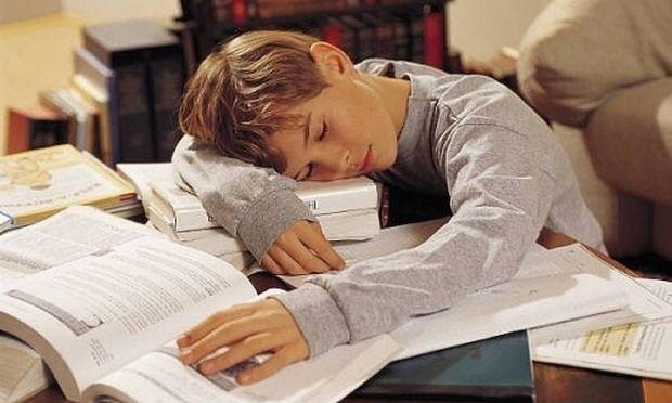 Έρευνα: Πώς το ξενύχτι στην παιδική ηλικία επηρεάζει την μάθηση του παιδιού!