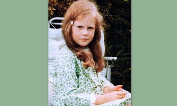 Ποιο είναι το κοριτσάκι με τα κόκκινα μαλλιά;