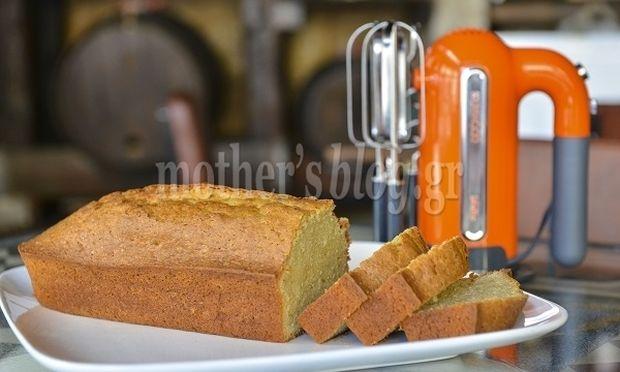 Συνταγή για φανταστικό κέικ με γιαούρτι, τσάι και πορτοκάλι, από τον Γιώργο Γεράρδο