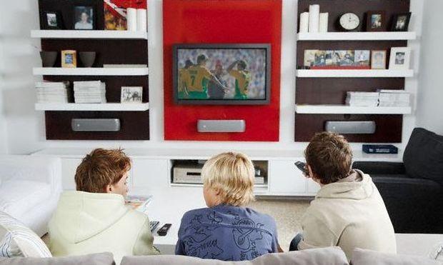 Έρευνα: Η τηλεόραση κάνει τα παιδιά δυστυχισμένα!