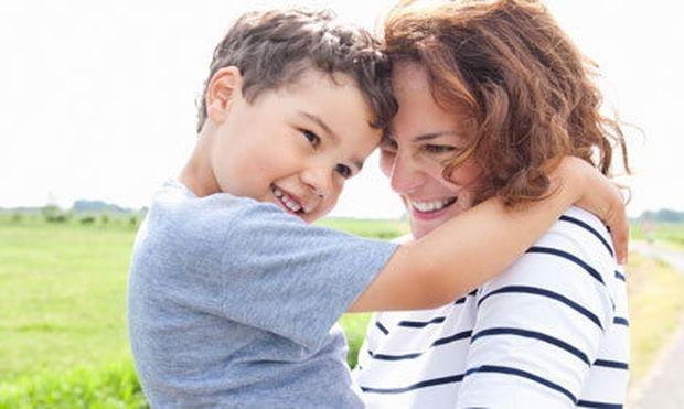 Τρεις λόγοι για τους οποίους πρέπει να ζητάμε «συγγνώμη» στο παιδί μας!