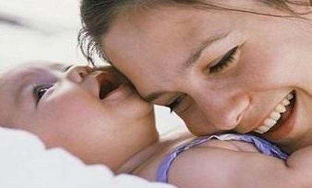 «Η μοναδικότητα της μητρικής αγάπης και το συγκλονιστικό πείραμα που την αποδεικνύει»