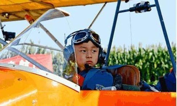 Τρίχρονος στο τιμόνι αεροπλάνου!
