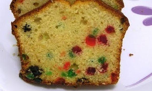 Συνταγή για μυρωδάτο κέικ με φρουτάκια!