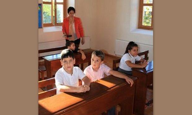 Ίμβρος: Ακούστηκε σχολικό κουδούνι για 4 Έλληνες μαθητές μετά από 50 χρόνια!