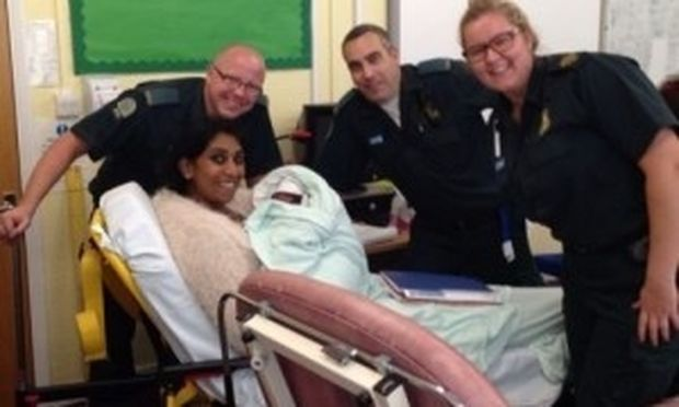 Δασκάλα γέννησε το δεύτερο παιδάκι της μέσα σε αίθουσα του σχολείου